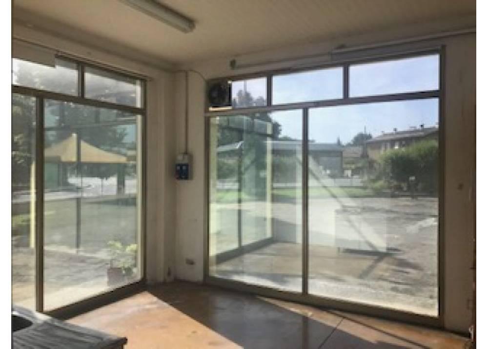 Affitto Locale Commerciale a Fontanellato monolocale  di 200 mq