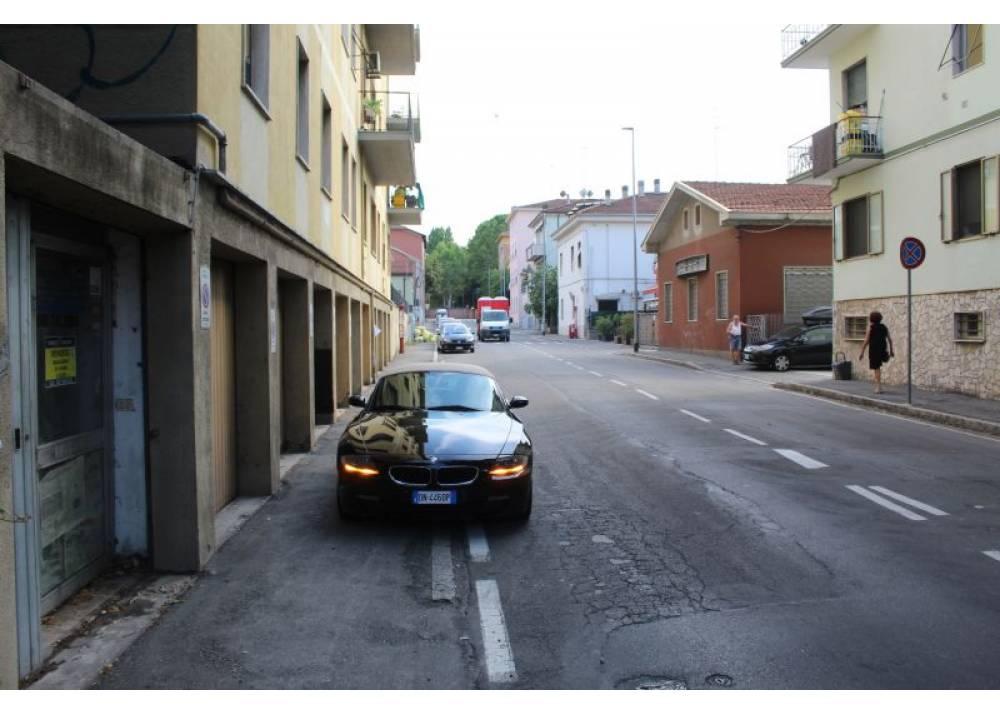 Vendita Locale Commerciale a Parma monolocale Parma centro/stazione di 140 mq
