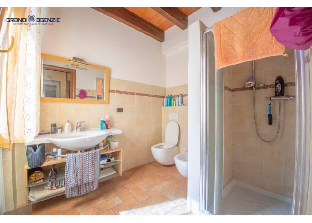 Vendita Rustico a Lesignano De` bagni monolocale  di 300 mq