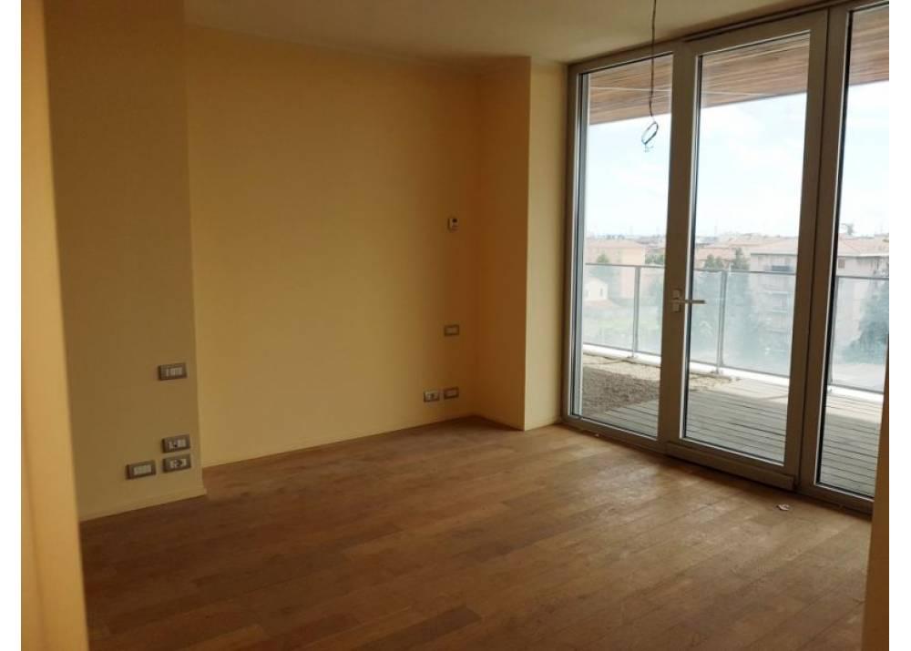 Vendita Appartamento a Parma Via Stradello Marca-Relli Conrad Q.re Pasubio di 209 mq