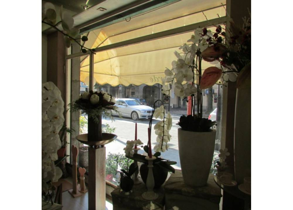 Vendita Locale Commerciale a Parma monolocale San Lazzaro di 55 mq