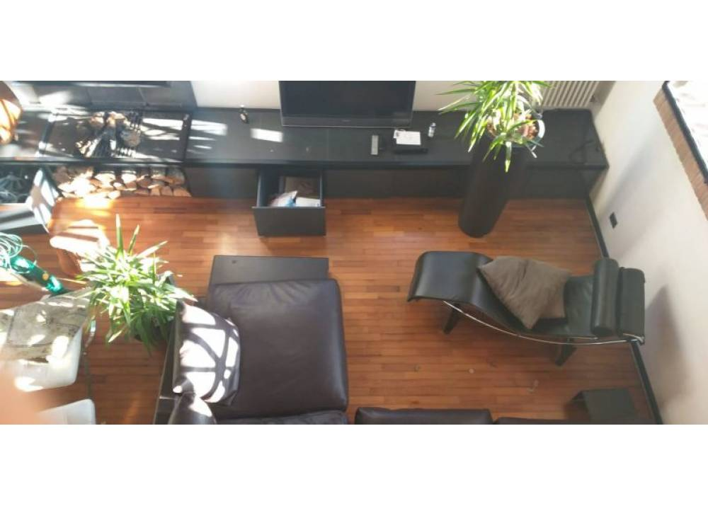 Affitto Appartamento a Parma trilocale  di 130 mq