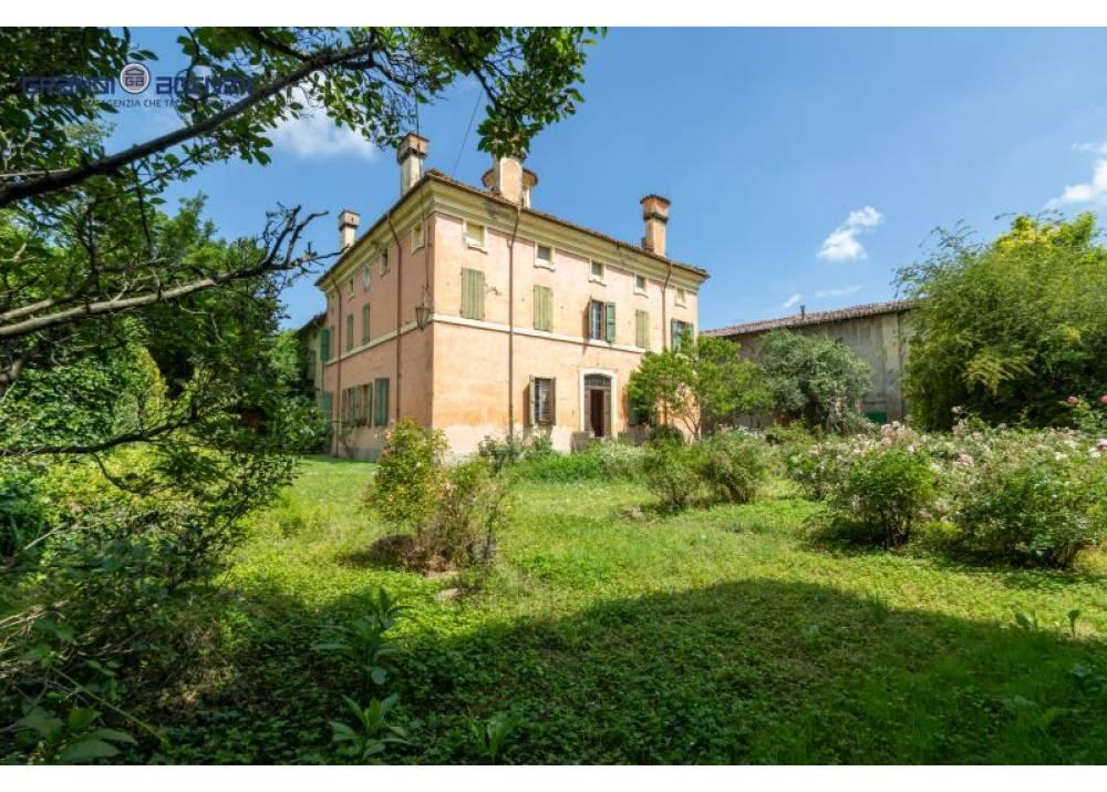 Vendita Villa a Polesine Zibello   di 510 mq
