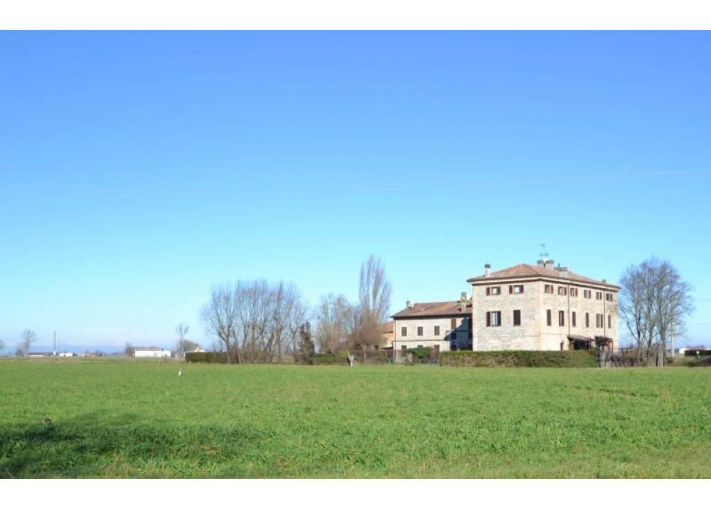 Vendita Appartamento a Parma trilocale  di 97 mq