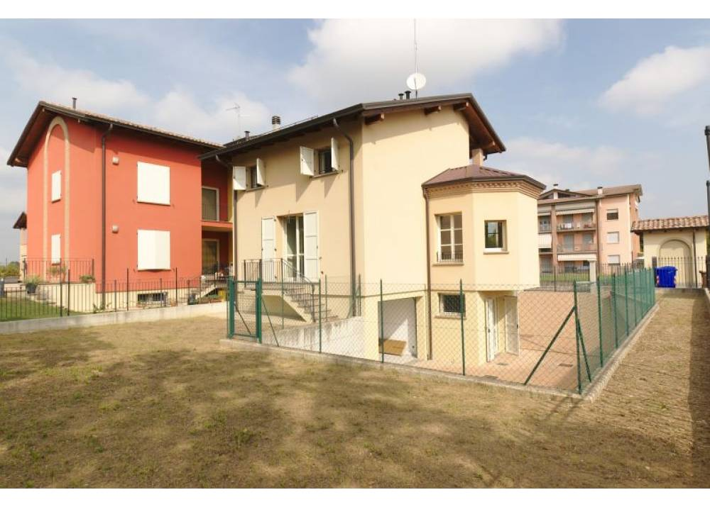 Vendita Villa a Montechiarugolo quadrilocale  di 187 mq