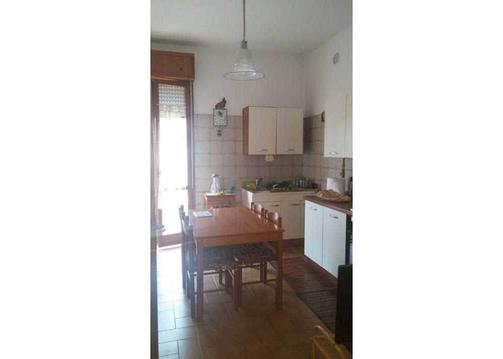 Affitto Appartamento a Parma quadrilocale Via Parigi di 110 mq