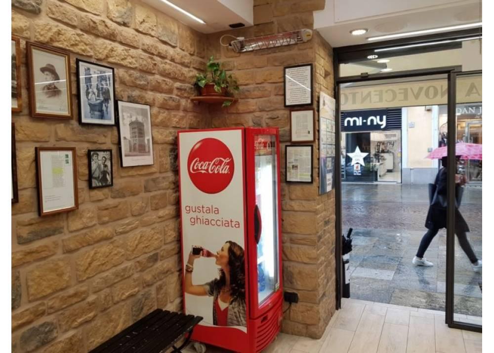 Vendita Locale Commerciale a Parma Strada Cavour Parma Centro di 30 mq
