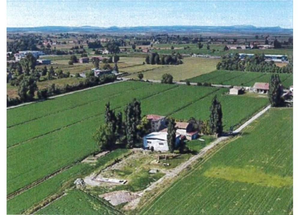 Vendita Rustico a Parma monolocale Emilio Lepido di 2300 mq