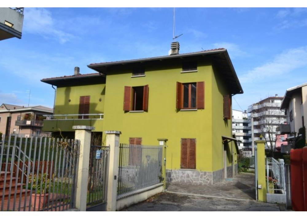 Vendita Villa a Parma  Q.re Paullo di 155 mq