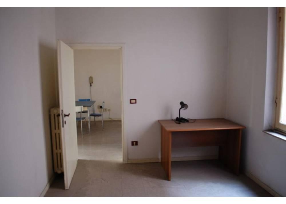 Vendita Appartamento a Parma quadrilocale Centro Storico di 109 mq