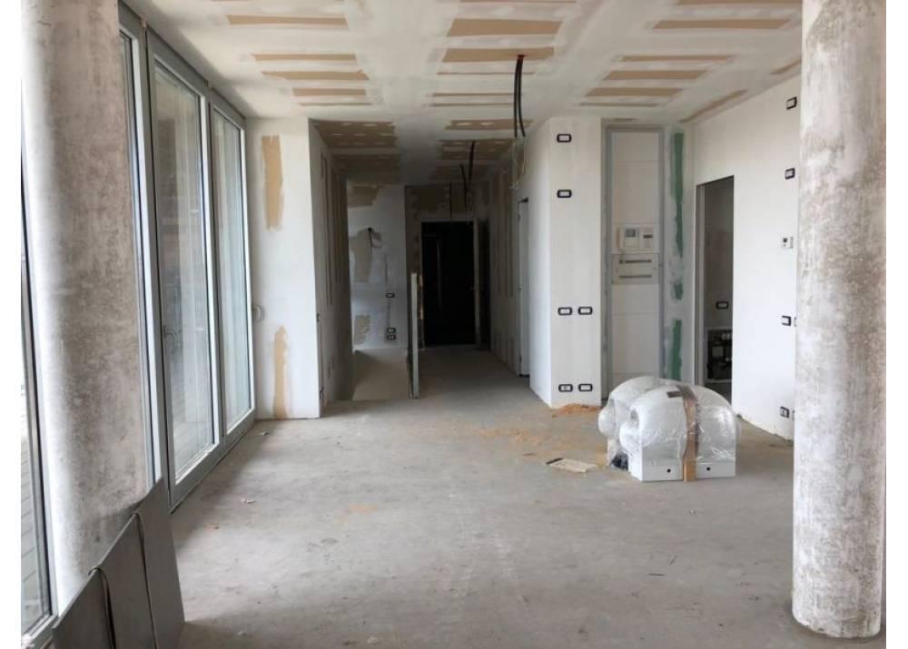 Vendita Attico a Parma quadrilocale Pasubio di 215 mq