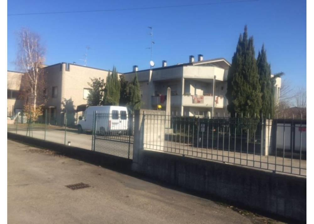 Vendita Casa Indipendente a Parma Via dei Carrettieri Botteghino di 115 mq