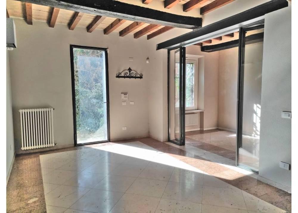 Vendita Villetta a schiera a Parma  Q.re San Lazzaro di 302 mq