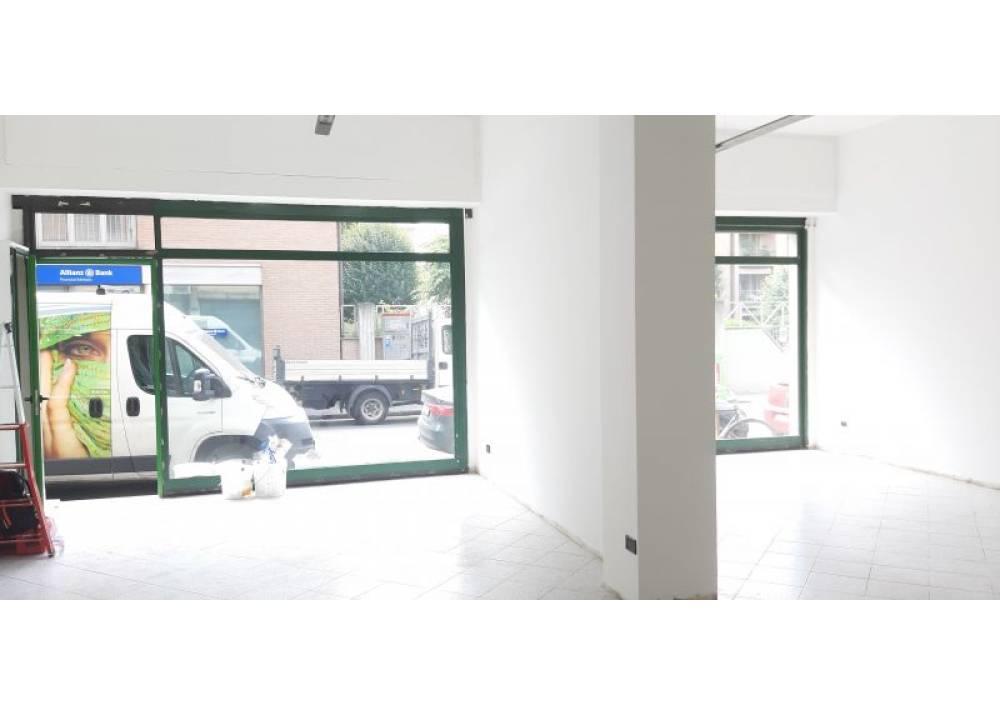 Affitto Locale Commerciale a Parma monolocale Ospedale di 90 mq