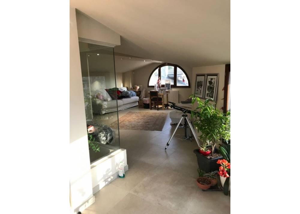 Vendita Villetta a schiera a Parma quadrilocale  di 240 mq