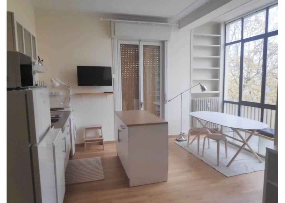 Affitto Appartamento a Parma trilocale Zona Efsa di 80 mq
