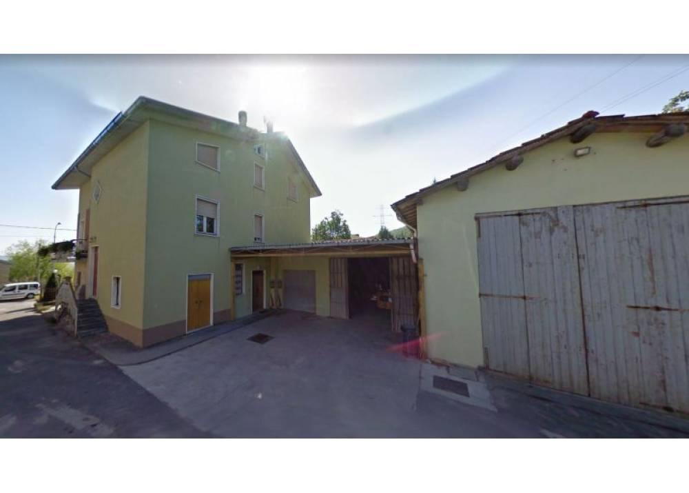 Vendita Casa Indipendente a Neviano degli Arduini   di 310 mq