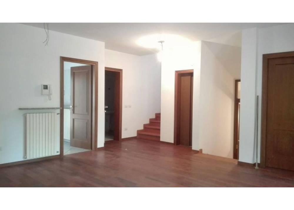 Vendita Villa a Parma Via Emmanuel Kant San Lazzaro - Lubiana di 350 mq