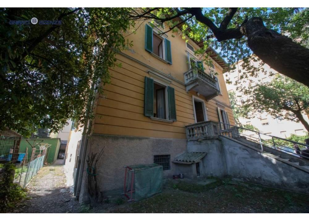 Vendita Villa a Parma  San Leonardo di 460 mq