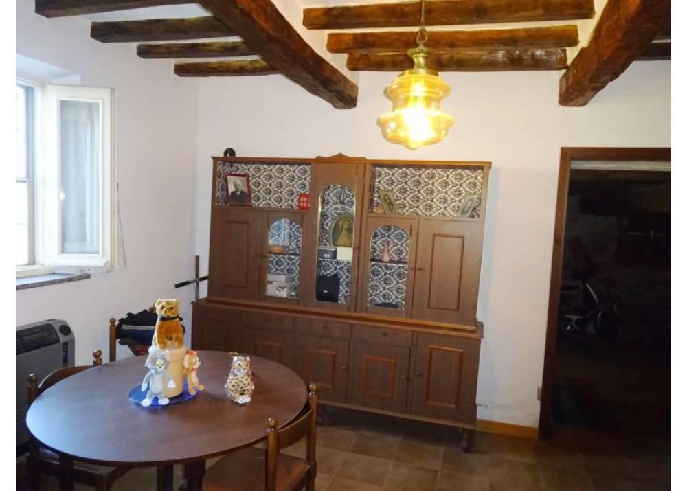 Vendita Villa a Torrile   di 500 mq