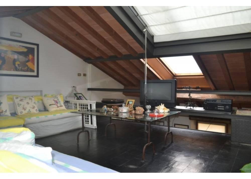 Vendita Appartamento a Parma quadrilocale Parma Centro di 200 mq