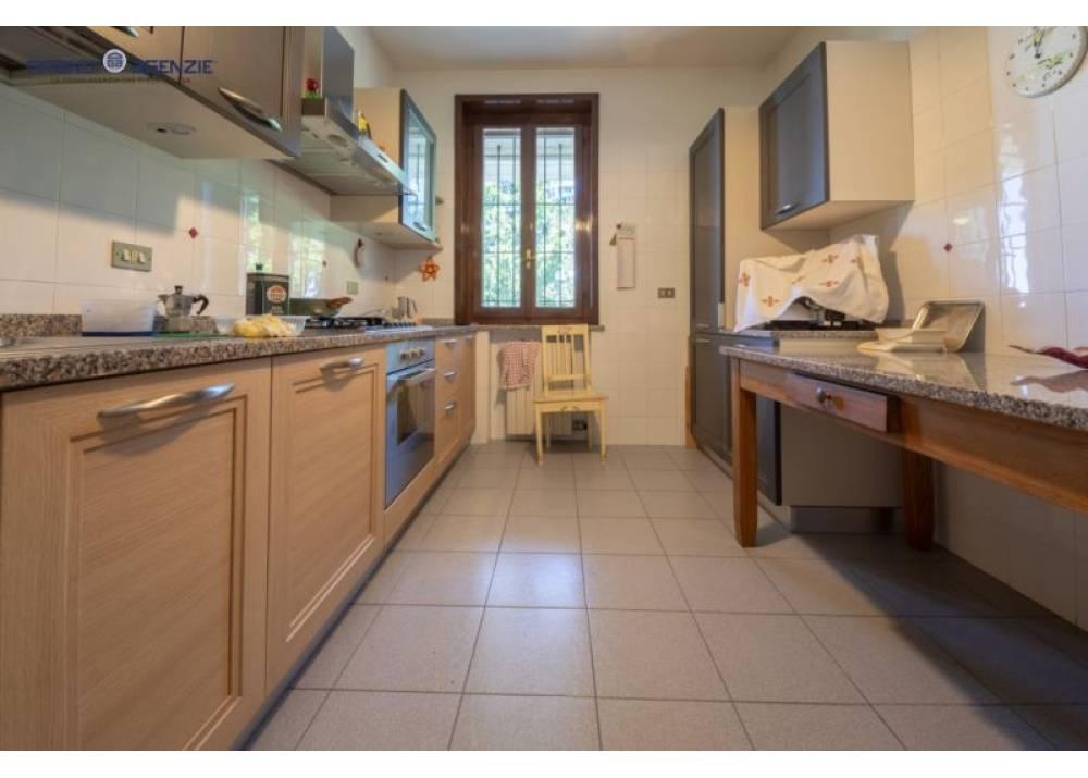 Vendita Appartamento a Parma trilocale  di 143 mq
