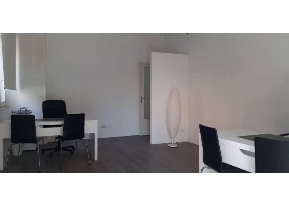 Affitto Locale Commerciale a Parma monolocale Q.re Montanara di 50 mq