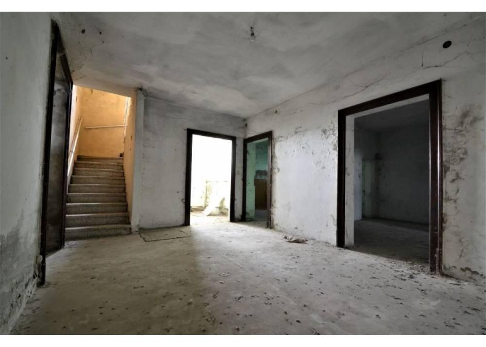 Vendita Casa Indipendente a Roccabianca quadrilocale  di 127 mq