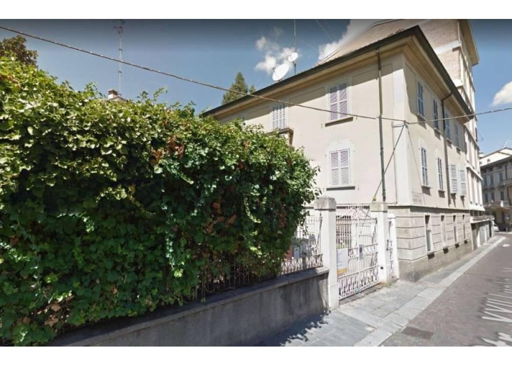 Vendita Appartamento a Parma Strada XXII Luglio Centro Storico di 260 mq