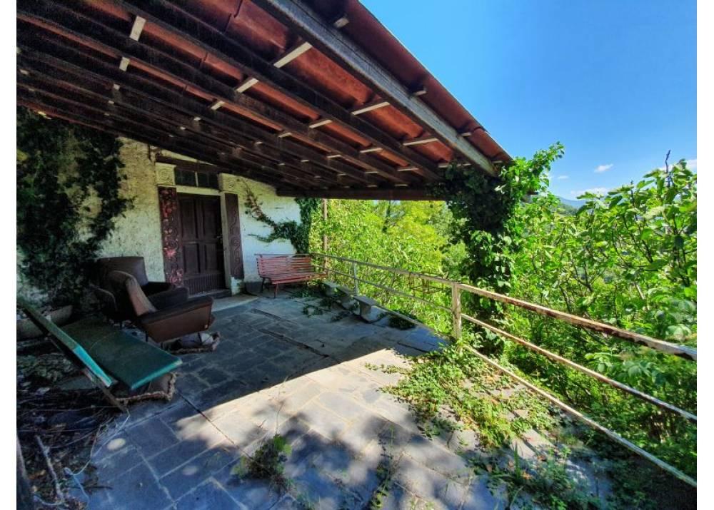 Vendita Casa Indipendente a Solignano   di 300 mq