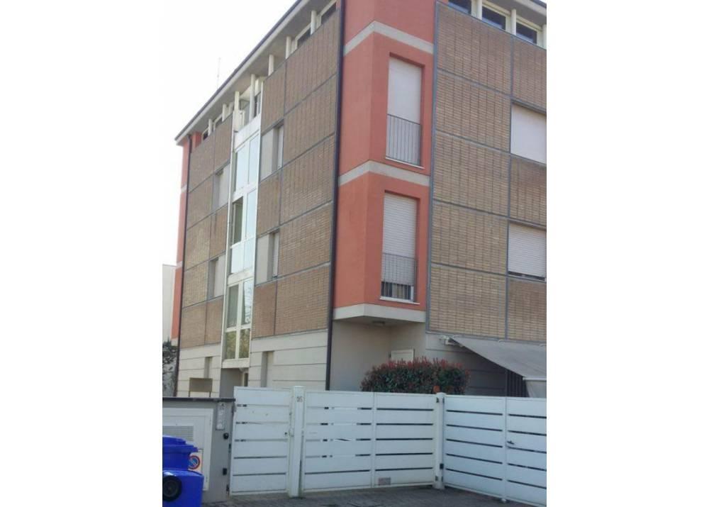 Vendita Ufficio a Parma monolocale Str. Langhirano di 75 mq