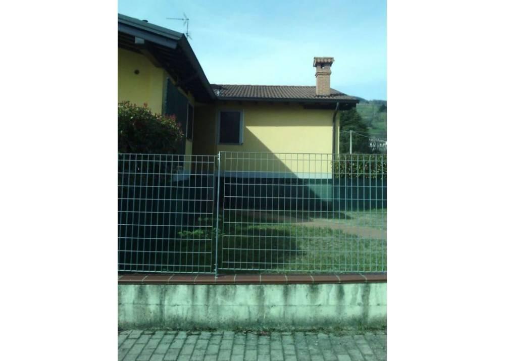 Vendita Villa a Neviano degli Arduini quadrilocale  di 170 mq