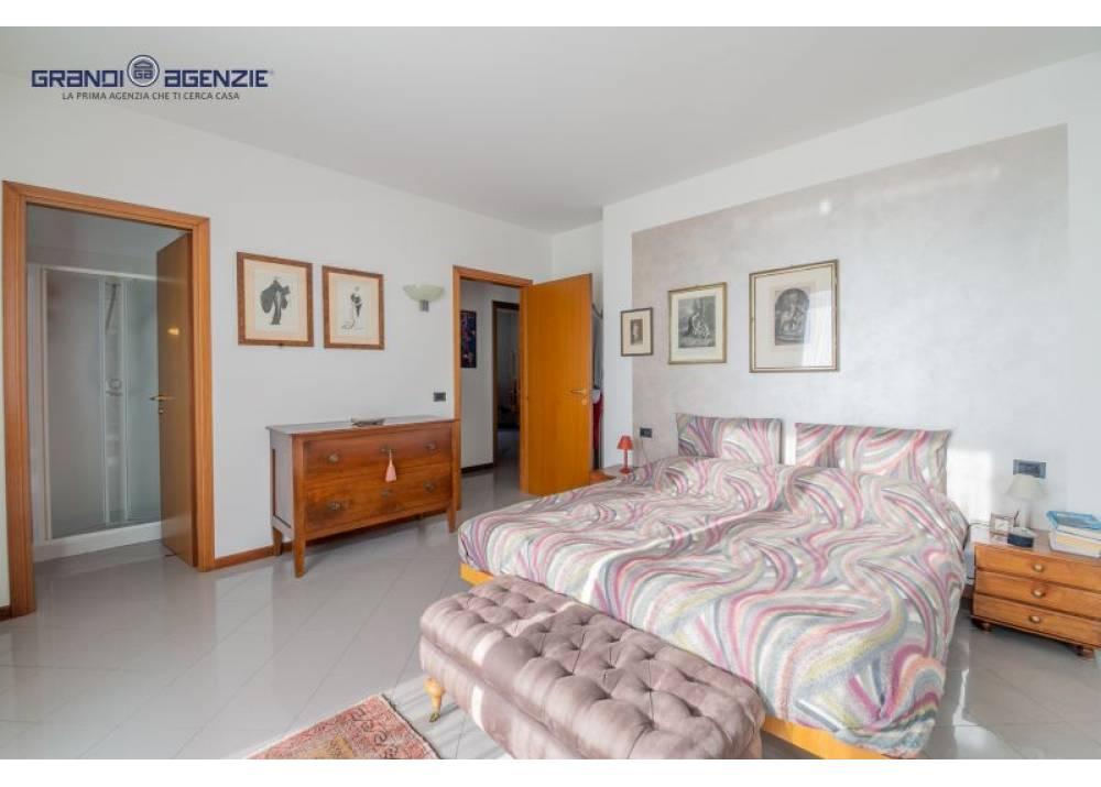 Vendita Appartamento a Parma quadrilocale  di 150 mq