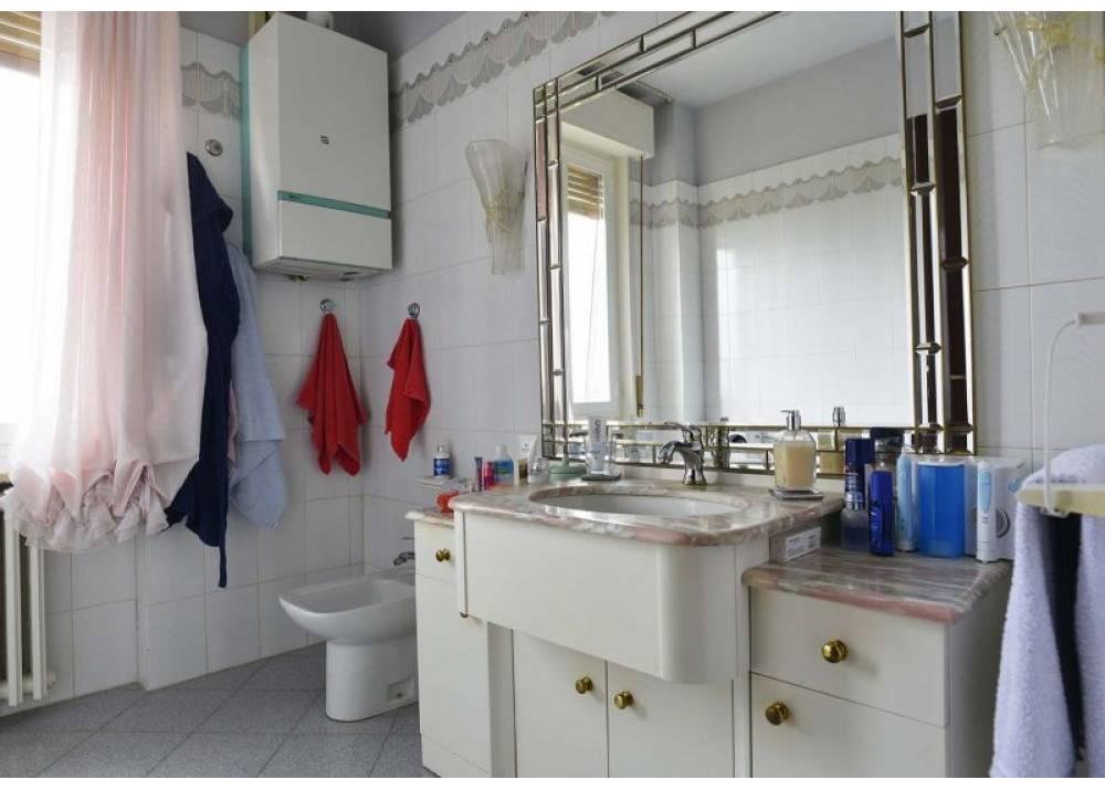 Vendita Appartamento a Parma Strada Budellungo  di 140 mq