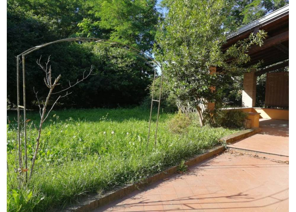 Affitto Villetta a schiera a Parma quadrilocale Strada Argini di 297 mq