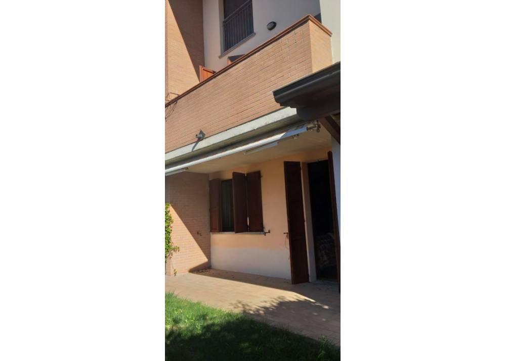 Affitto Villa a Torrile   di 200 mq