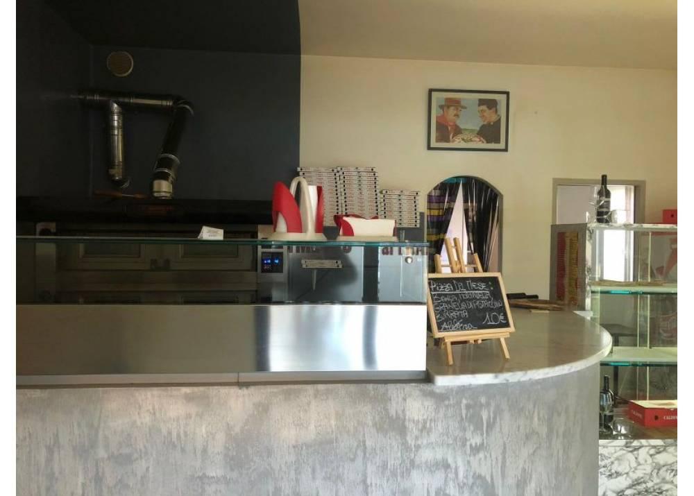 Vendita Locale Commerciale a Parma monolocale P.le Maestri di 45 mq