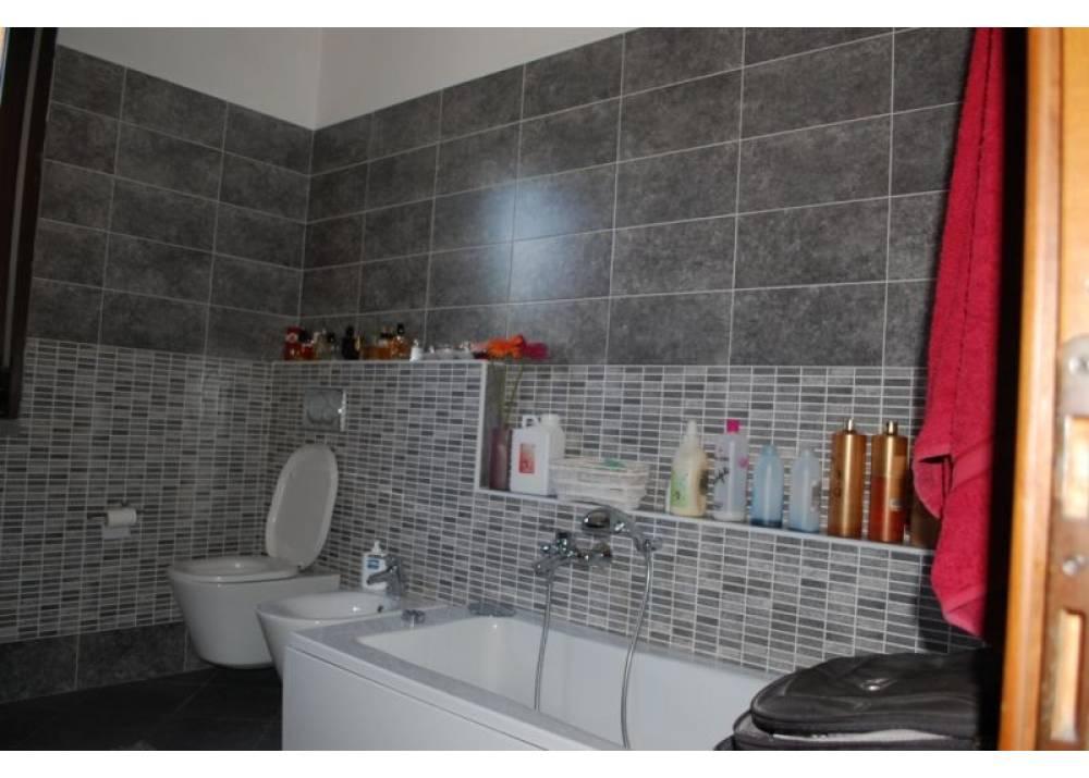 Vendita Appartamento a Parma quadrilocale Zona Via Venezia di 170 mq