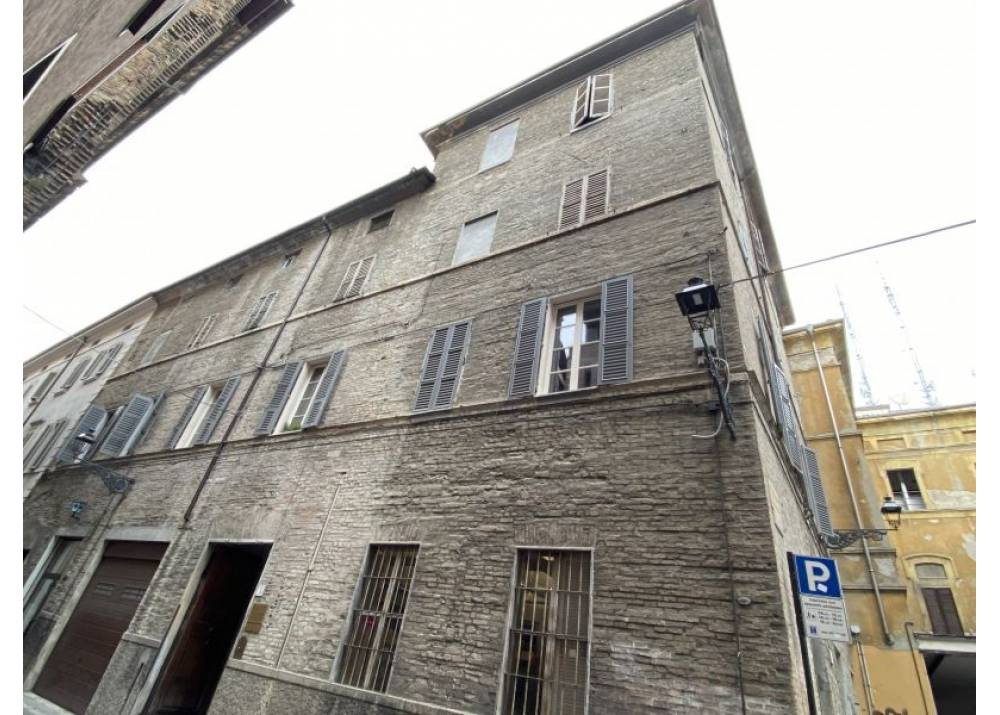 Vendita Appartamento a Parma  Centro storico di 140 mq