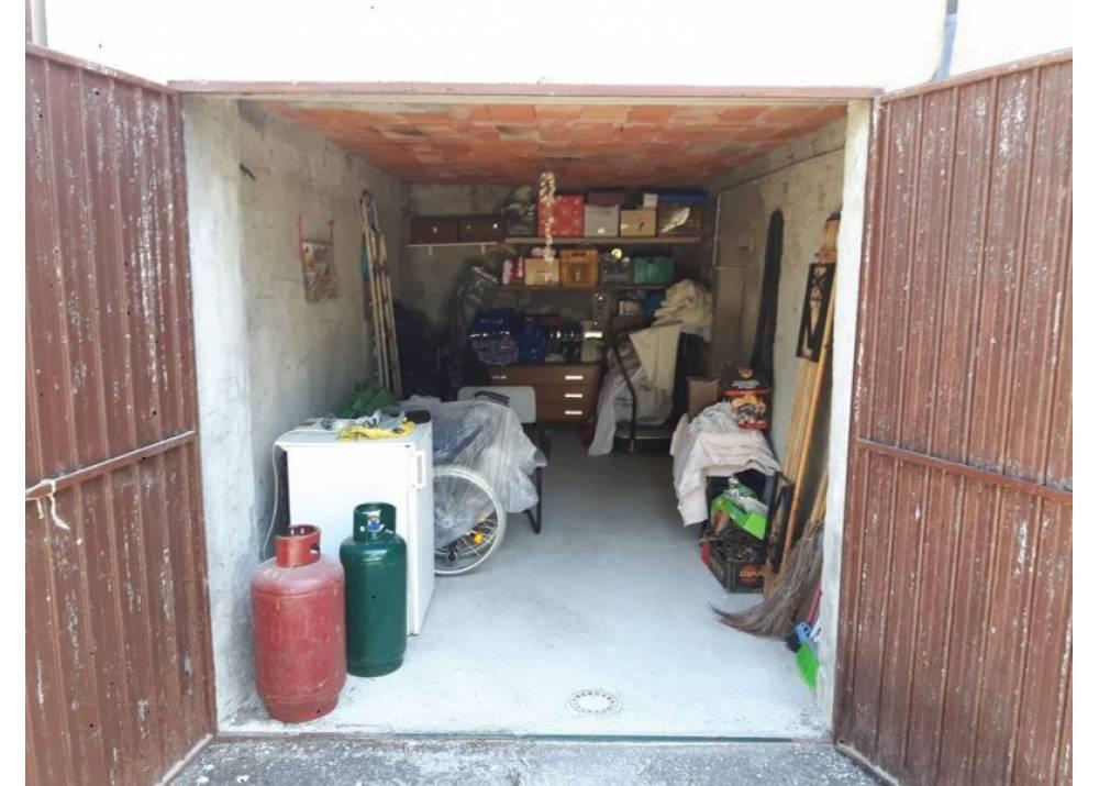 Vendita Casa Indipendente a Terenzo quadrilocale  di 100 mq