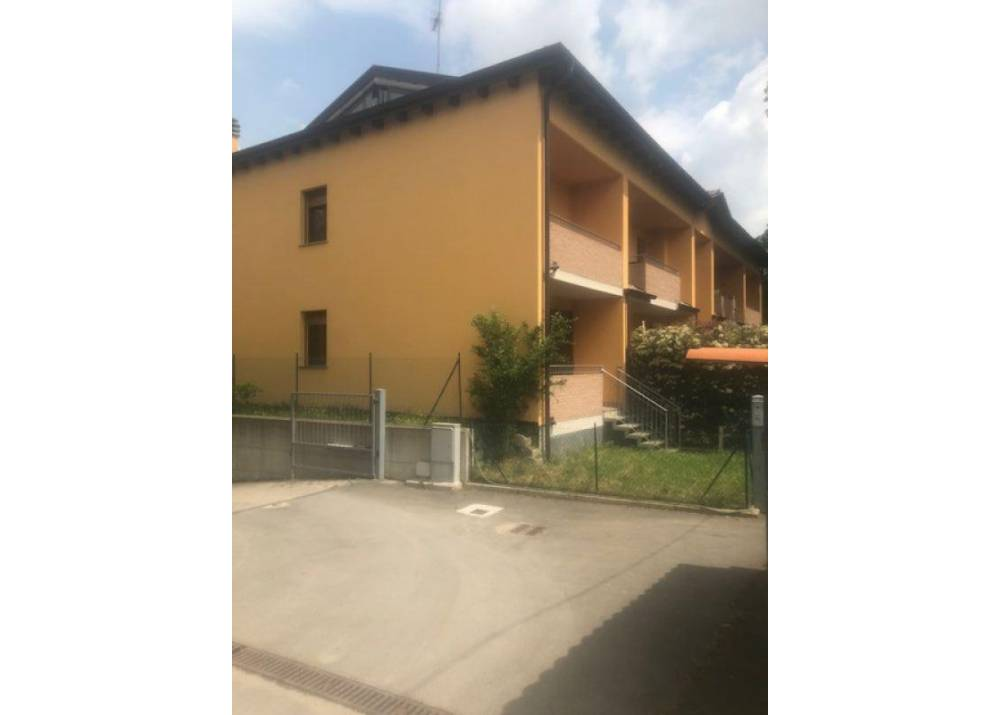 Affitto Villetta a schiera a Traversetolo Strada Valcassano  di  mq
