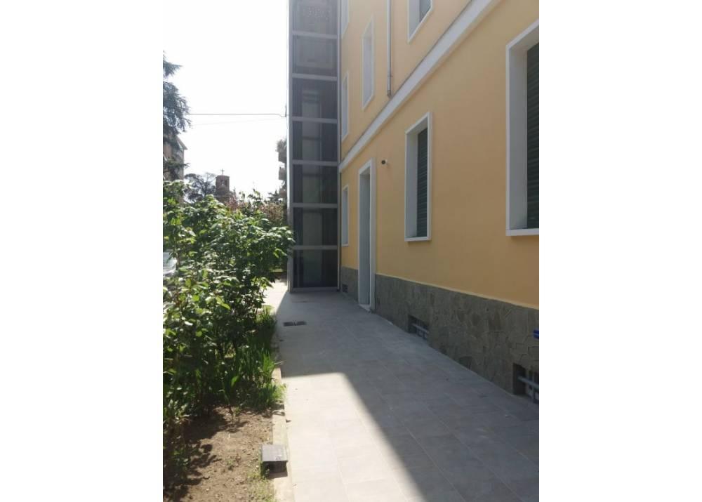 Affitto Appartamento a Parma trilocale Centro-Cittadella di 65 mq