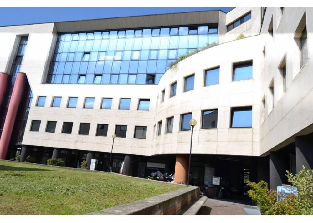 Affitto Negozio a Parma  Ospedale di 80 mq