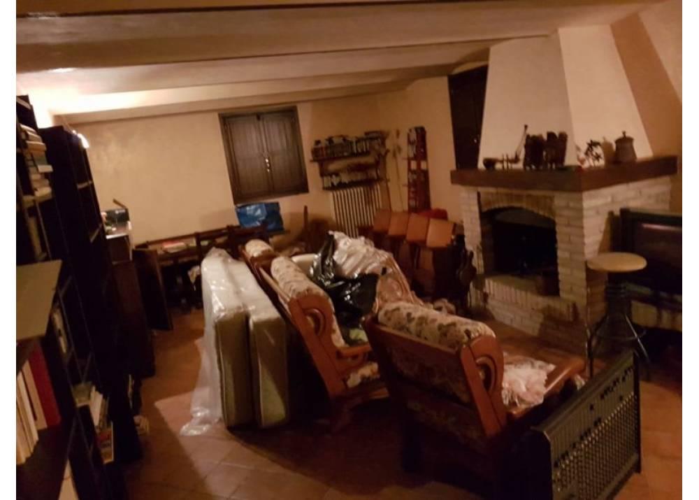 Vendita Villetta a schiera a Fontevivo quadrilocale  di 275 mq
