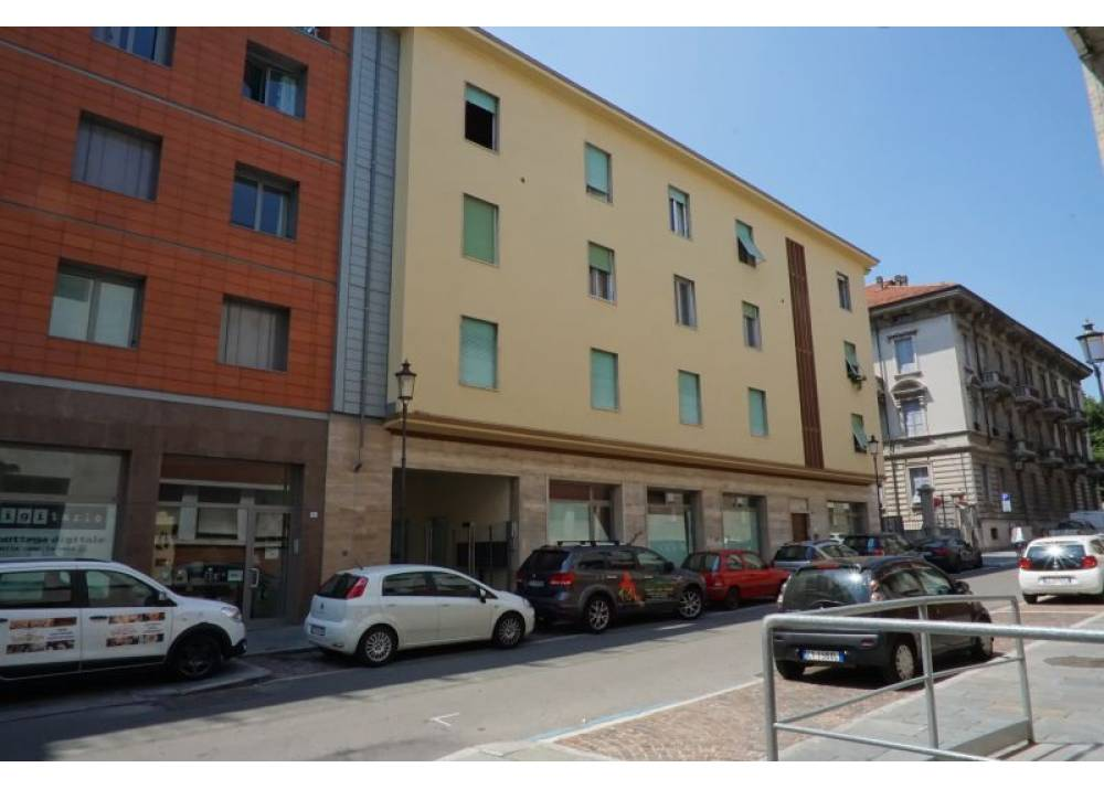 Vendita Locale Commerciale a Parma monolocale Parma centro - Stazione di 268 mq