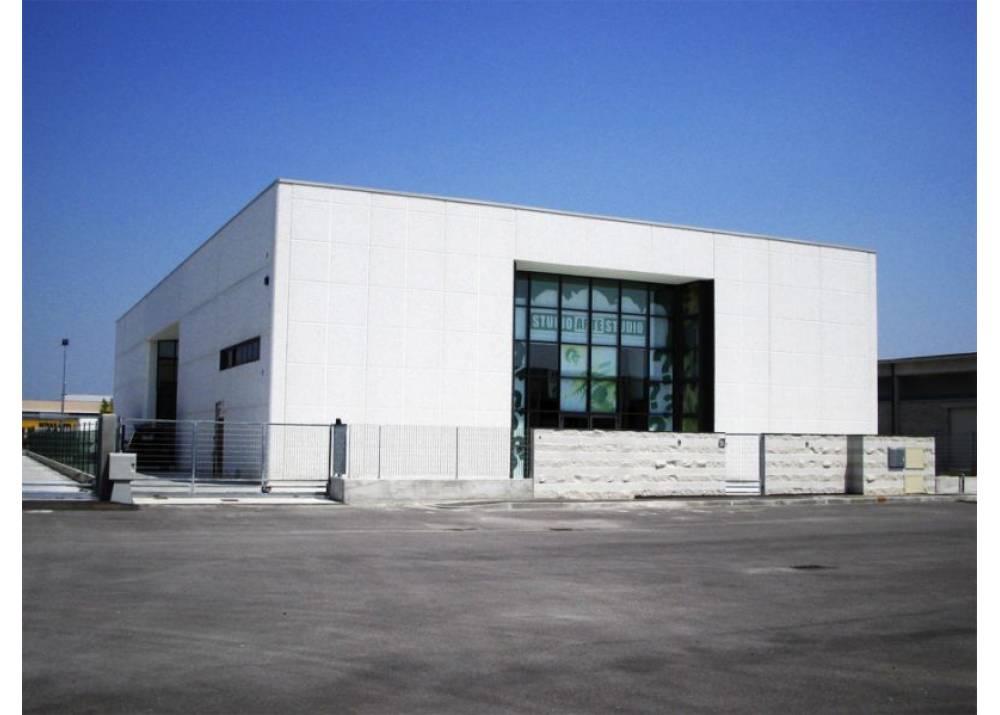 Vendita Locale Commerciale a Casalmaggiore monolocale  di 1224 mq