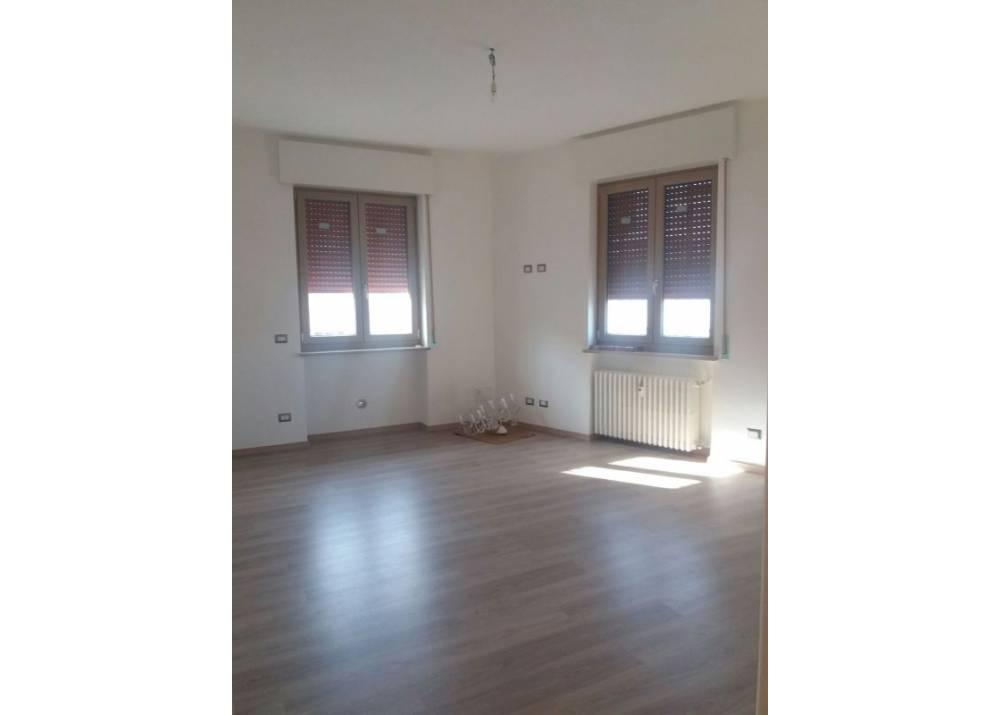 Affitto Appartamento a Parma Via Antonio Cecchi Centro - Stazione di 110 mq