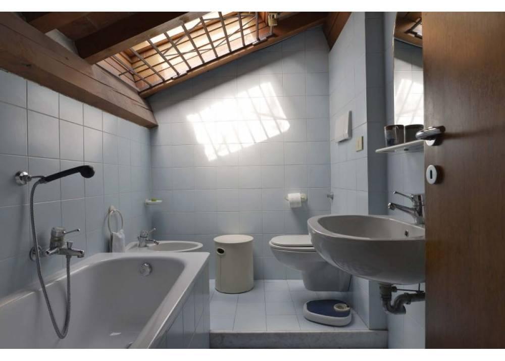 Vendita Casa Indipendente a Parma Borgo Pietrantonio Bernabei Oltretorrente di 148 mq