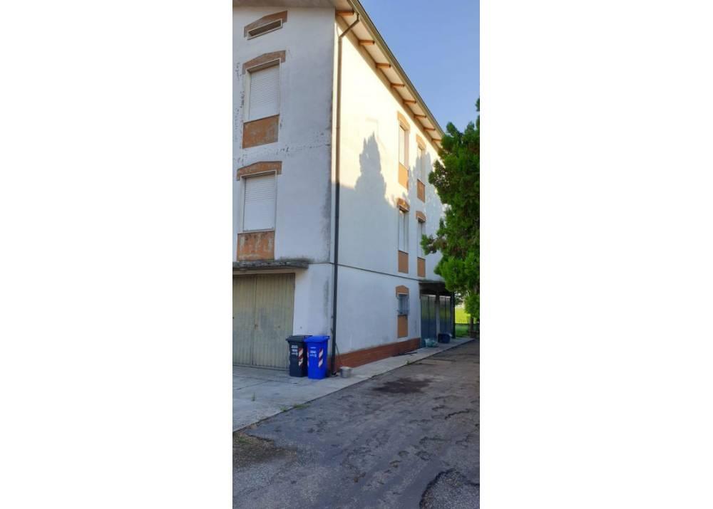 Affitto Appartamento a Sissa quadrilocale  di 130 mq
