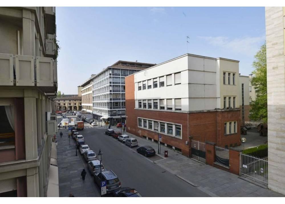 Vendita Locale Commerciale a Parma Via Giuseppe Verdi Centro Storico- Stazione di 139 mq